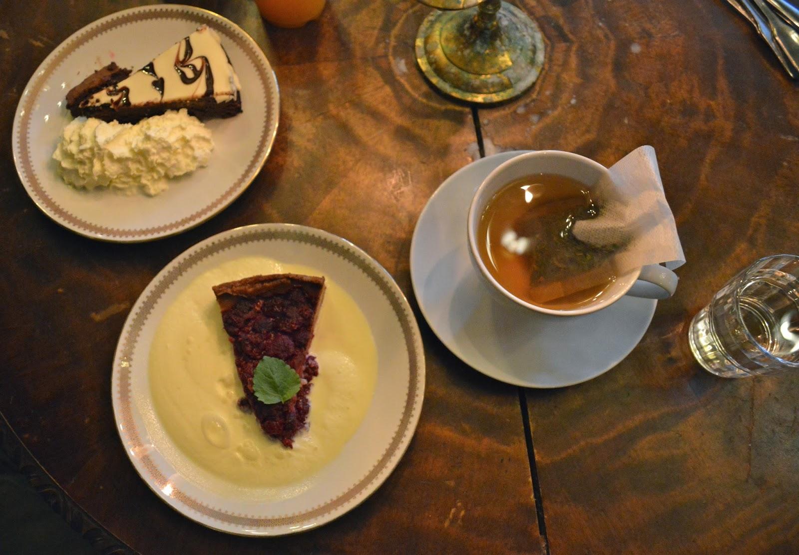 Afternoon tea and cake, fika