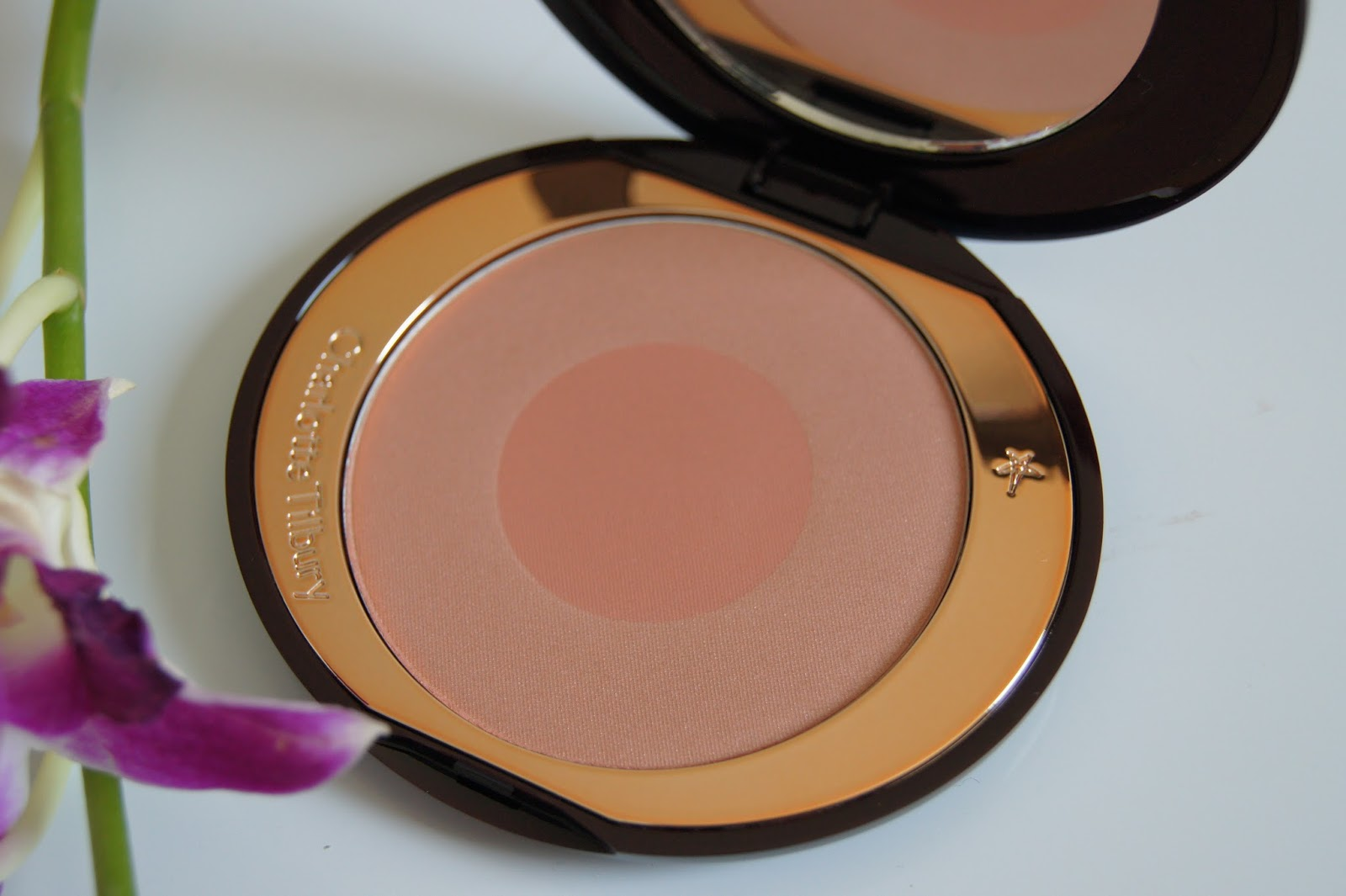 Charlotte Tilbury Cheek to Chic Swish and Pop Blusher-First Love