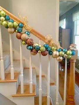 20+ DIY Christmas Ornament Wreath Ideas
