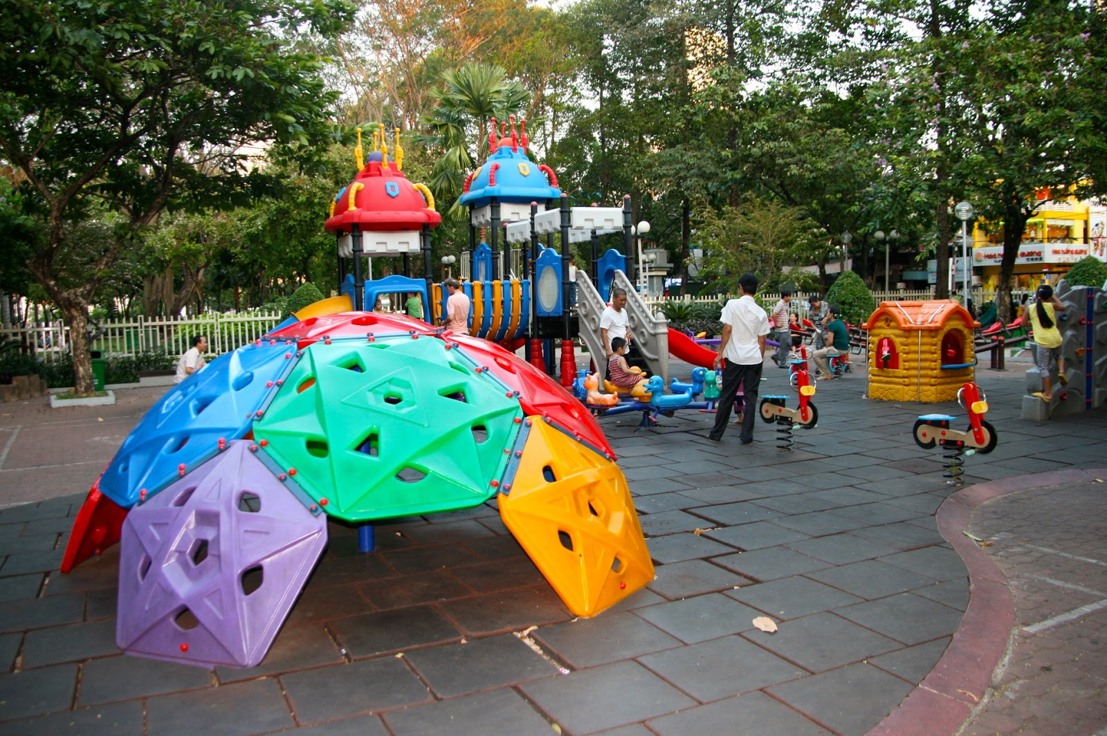 There Are No Shortage Of Incredible And Fun Play Areas In Just About All  The Big Parks In Saigon. One Of Our Favorites Was Công Viên 23 ...
