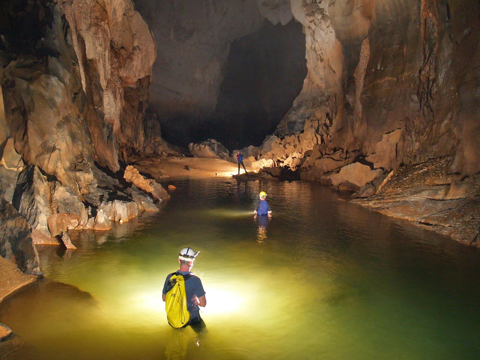 Trekking Son Doong Cave