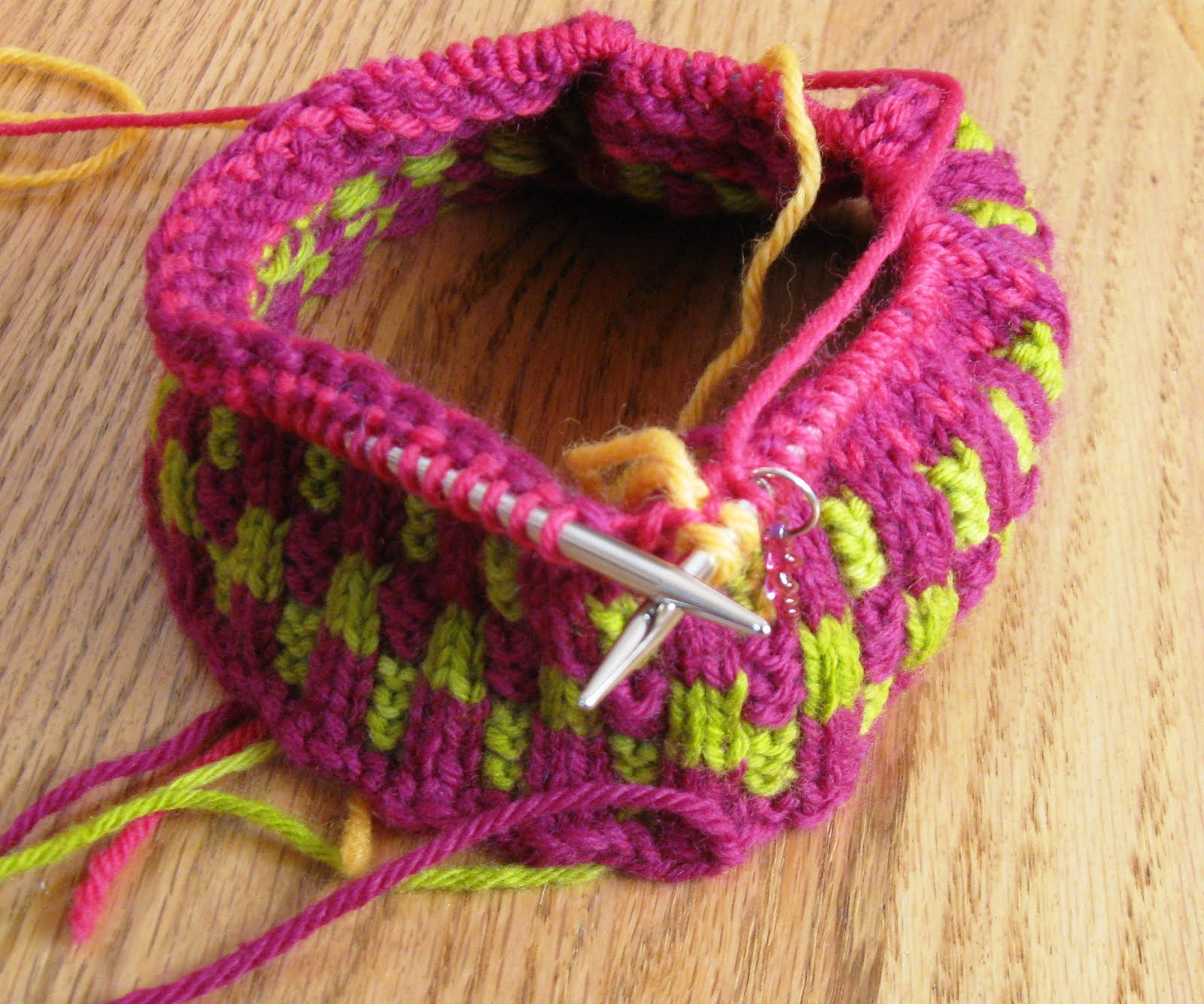 Joining Knitting In The Round Double Pointed Needles : Kiwi knits about knitting needles