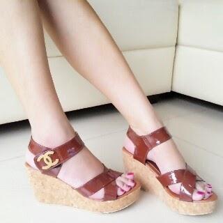 sepatu cantik wanita