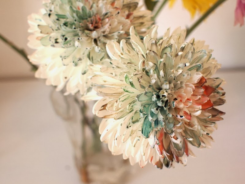 super easy way to make rainbow flowers