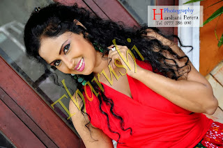 Tharushi Perera cute red
