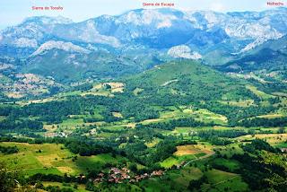 Vista de la sierra de Escapa desde el Priena