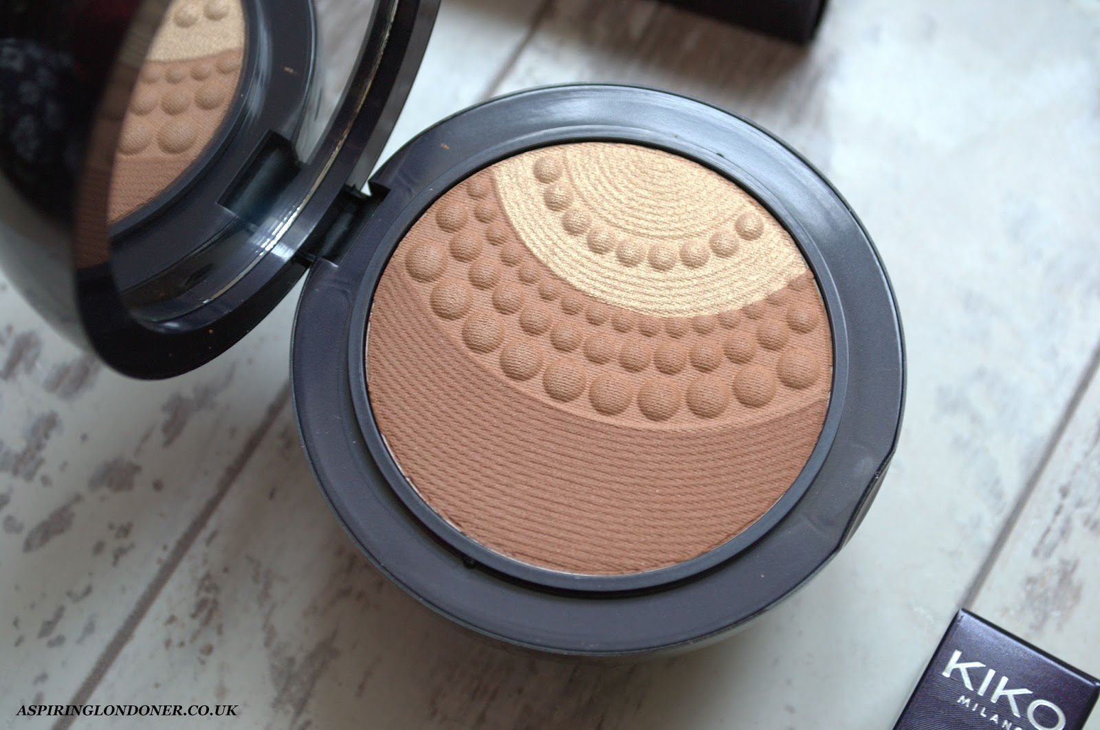 Kiko Midnight Siren Silk Pearl Illuminating Bronzer Irresistible Sienna Review Swatch - Aspiring Londoner