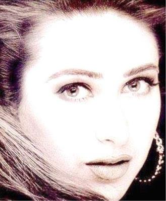 Karishma Kapoor sexy picture