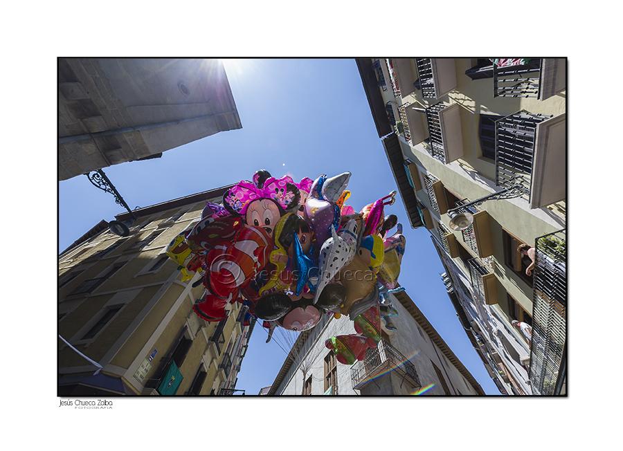 Mundo fotogr fico y m s san ferm n 2013 cuatro esquinas for Muebles rey arre