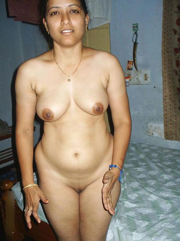 Desi HOstel Girls Hot and nude photos collection
