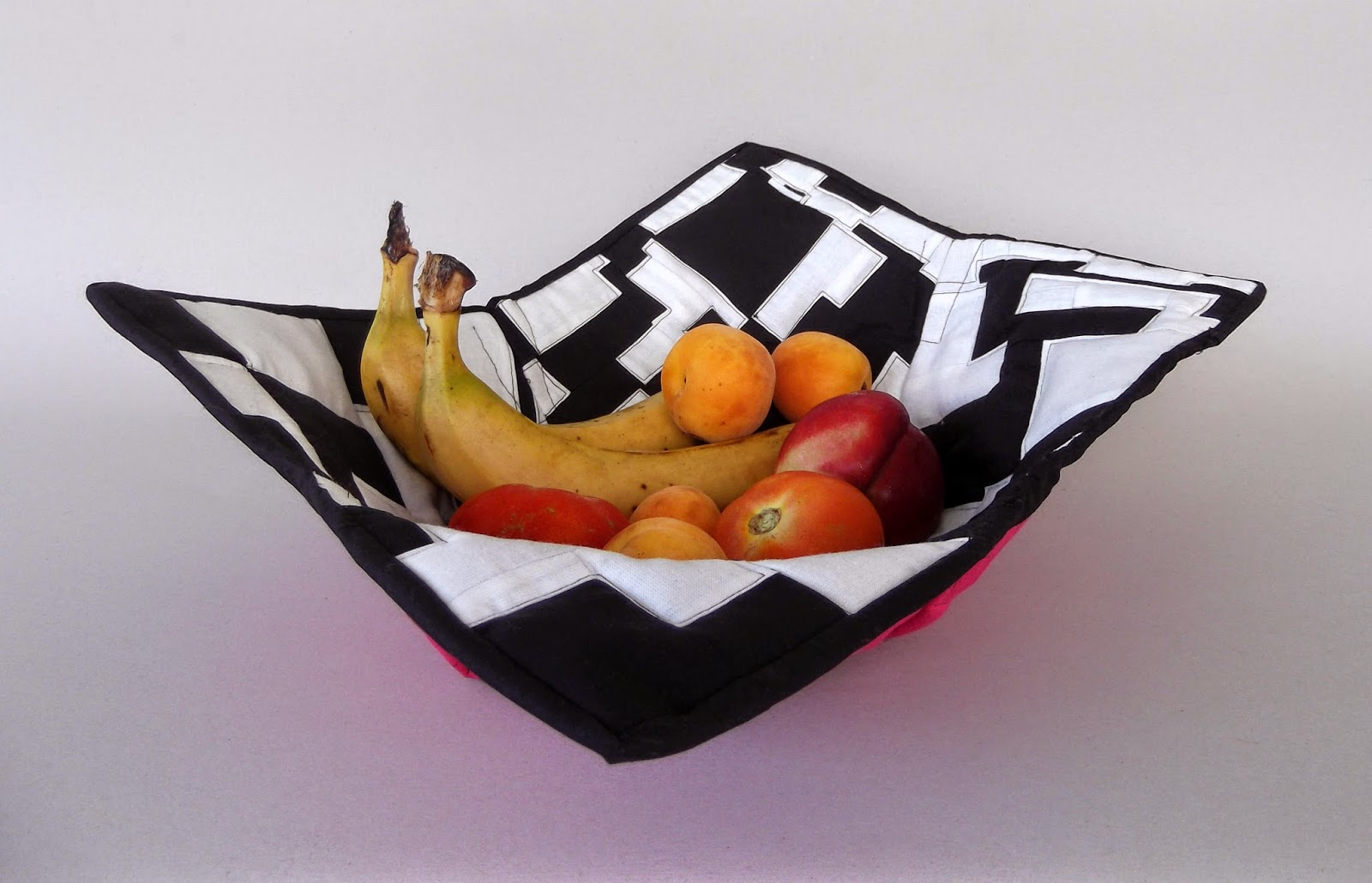 fabric basket, fabric bowl, fabric plate, fabric bread basket, textile bowl, textile basket