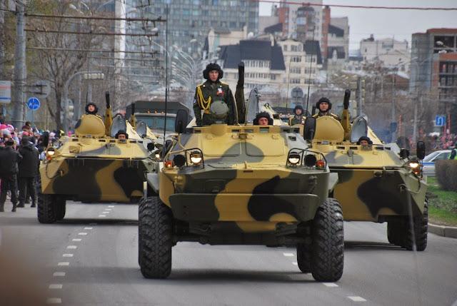 Бронетехника на параде Победы в Перми