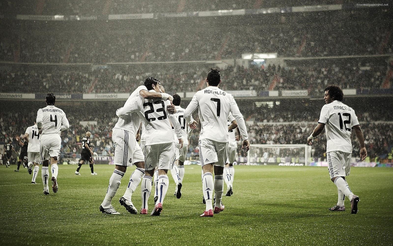 http://3.bp.blogspot.com/-ZI8wHV_gFPo/UFT8sthy8WI/AAAAAAAACCE/VH4ArXEn2mw/s1600/Real+Madrid+Soccer+Wallpaper+2012-2013+02.jpg