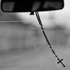Image used from http://blog.adw.org/2009/06/rosaries-on-the-roadway/