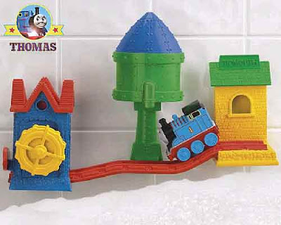 Thomas the train preschool Thomas bath tracks set make believe realm of floating bathroom water toys