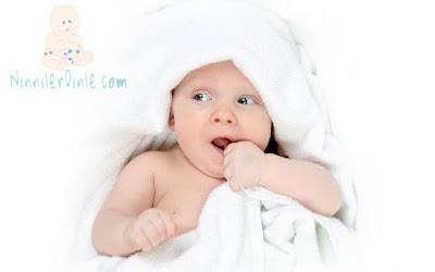 Battaniye içinde bebek