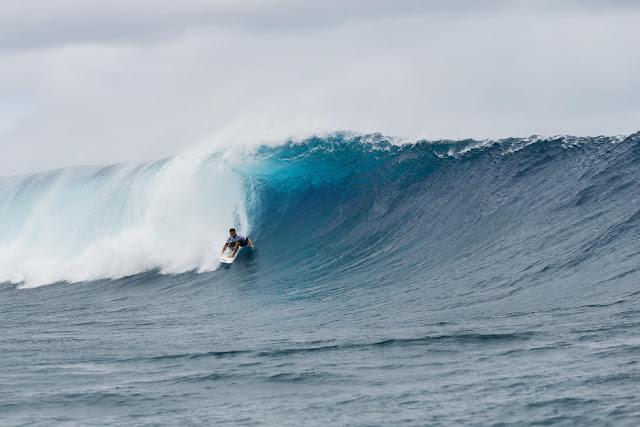 7 Aritz Aranburu Billabong Pro Tahiti 2015 Foto Stephen Robertson