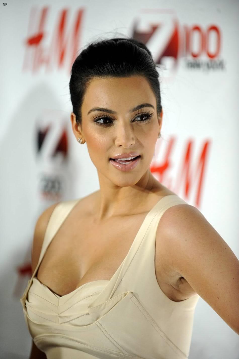 http://3.bp.blogspot.com/-ZIr8XYC5pYY/TbS466_dovI/AAAAAAAADu8/MyF6evYltkw/s1600/kim_kardashian_dress%2B%25289%2529.jpg