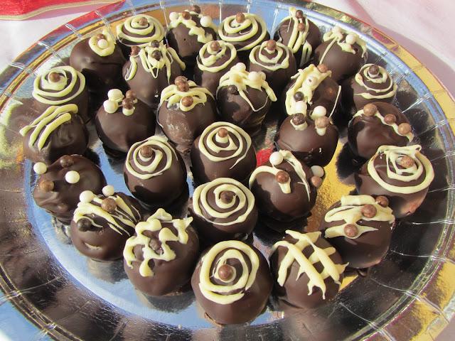 Mazapanes de nata y nueces con chocolate Ana Sevilla