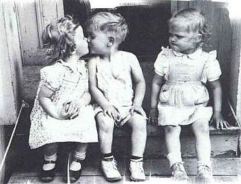 pocałunek, zazdrość, para, dzieci,