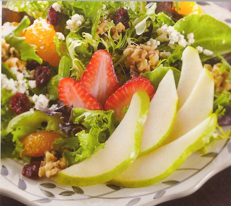 This Chic Can Cook: Pear Salad with Walnuts and Gorgonzola