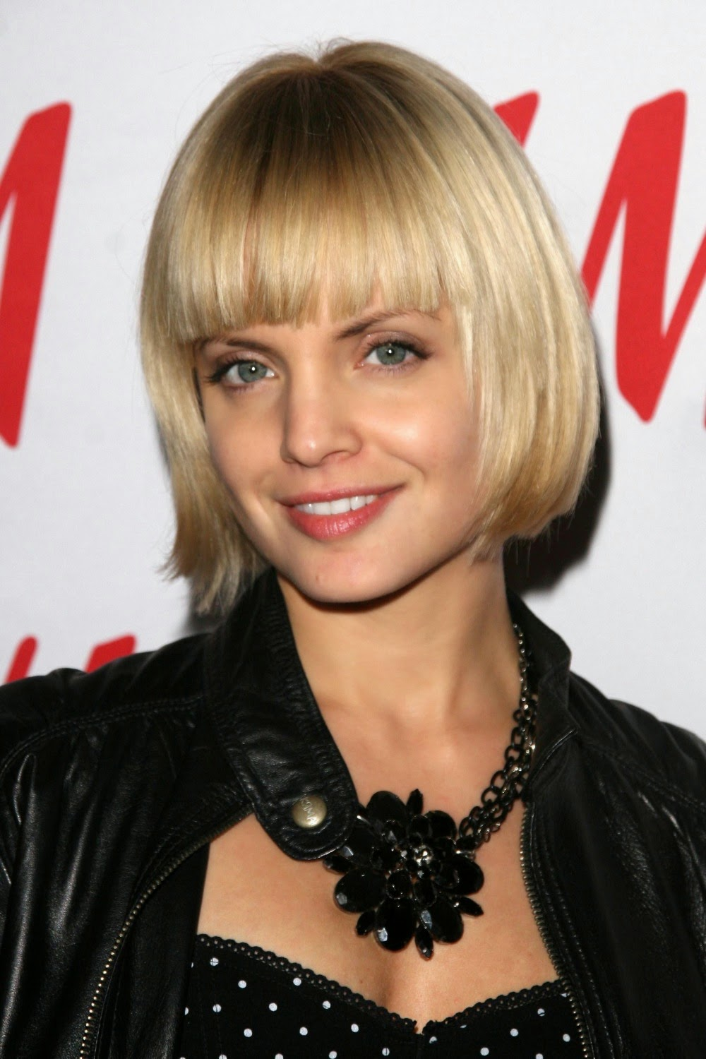 Mena Suvari wearing a Jenny Dayco necklace