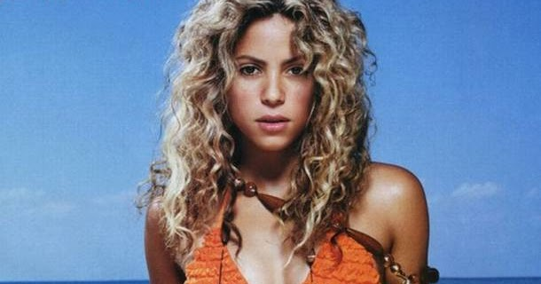 Shakira Hairstyle Trends Pictures Of Shakira In Bikini