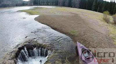 Danau yang Hilang Seketika Saat Musim Panas Tiba