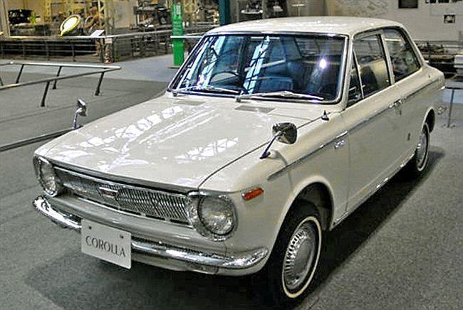 Toyota Corolla generasi pertama tahun 1966
