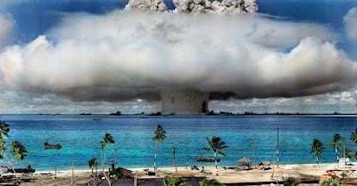http://3.bp.blogspot.com/-ZJnnyJQMNC0/UOZMmfjLYzI/AAAAAAAAIT0/-eaHxIlkmBk/s1600/colorized_photo_of_nuclear_bomb_test_at_bikini_a.jpg