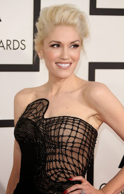 Gwen Stefani in Atelier Versace Spring 2015 black jumpsuit at 2015 Grammy Awards red carpet