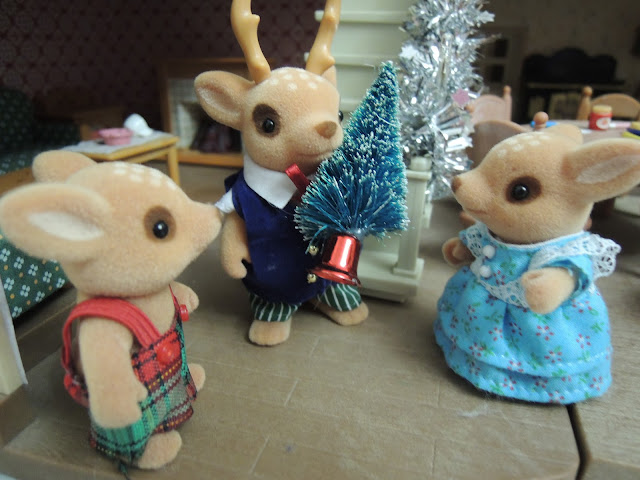 Sylvanian Families Christmas Tree Moss Reindeer Family