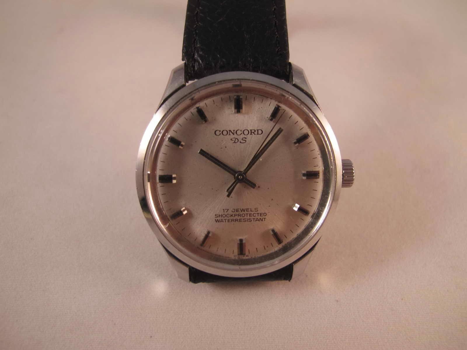 Kondisi vintage classic akurasi tepat waktu Cocok untuk Anda yang sedang mencari jam tangan simple model Swiss made dengan harga terjangkau