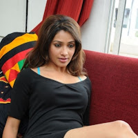 Sexy Akarsha in beautiful Black Top made of Cotton looking trendy