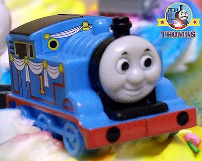Blue number 1 Thomas the tank engine cake topper locomotive replica character cupcake decorating kit