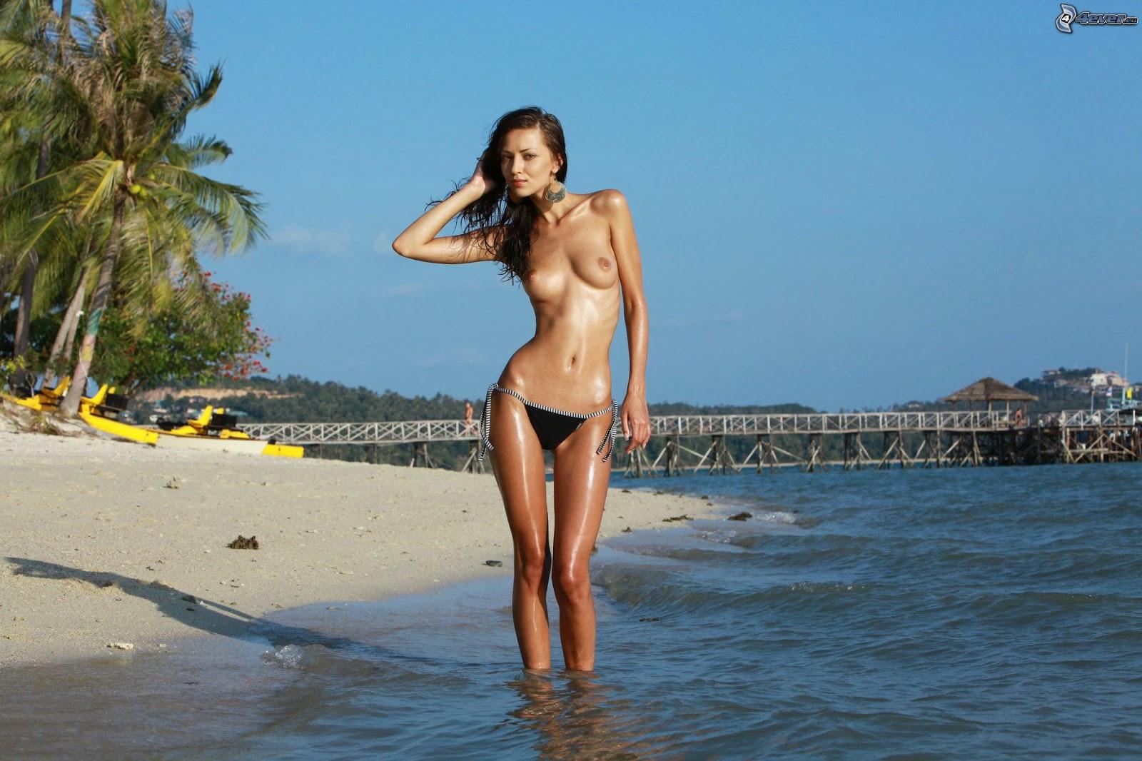 2 beach babes black or blue graz 31 5