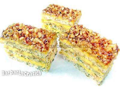 Trei prajiturele Krantz cu foi, crema si nuci caramelizate pentru reteta