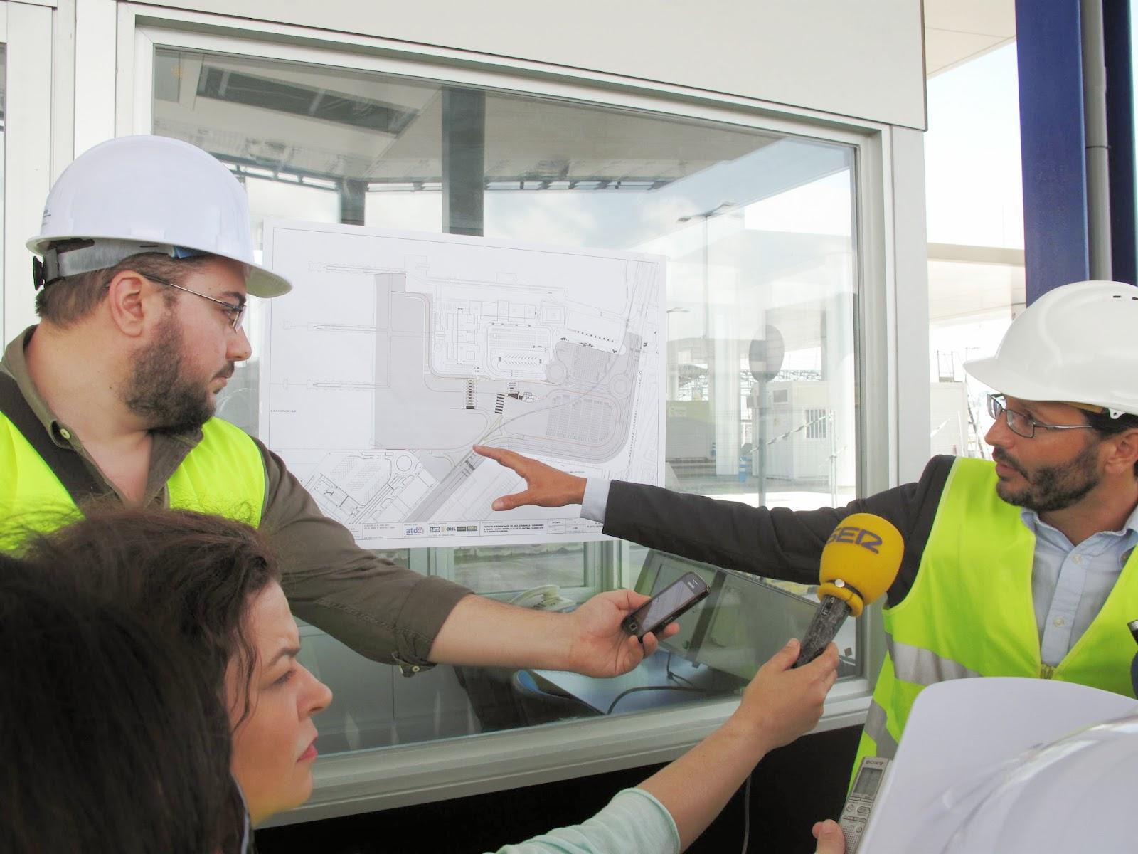 En la imagen, el ingeniero de la APBA responsable del proyecto, Juan Pablo Pérez, explica el desarrollo de las obras.