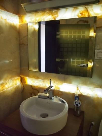 Баня оникс със светещ фриз3
