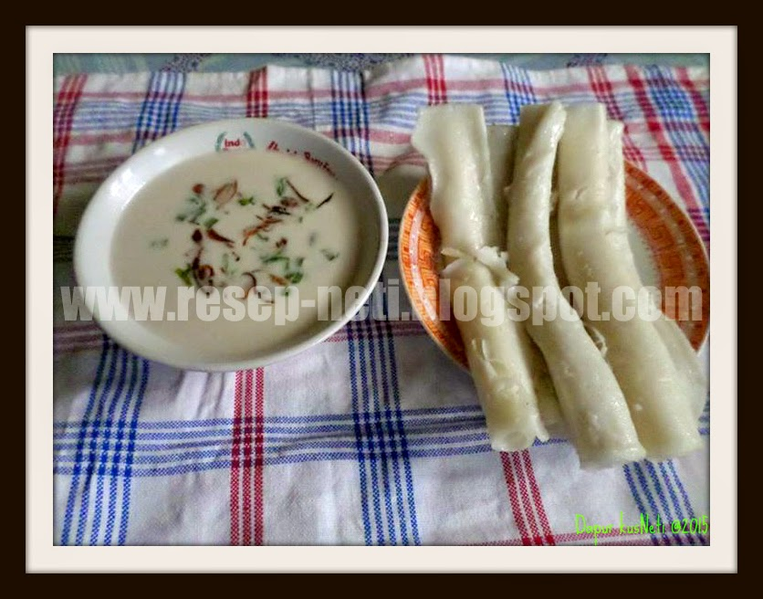 rice flour steamed rolls with savory sauce at kusNeti kitchen @2015