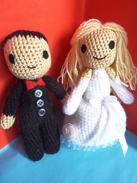 Crochet Pattern Amigurumi Dragon : 2000 Free Amigurumi Patterns: Wedding Dolls: Free ...