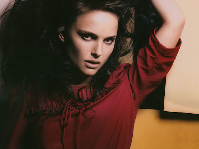 Natalie Portman Hollywood Girl beauty Wallpaper