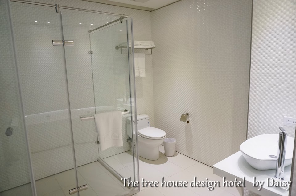 The tree house design hotel for 8 design hotel
