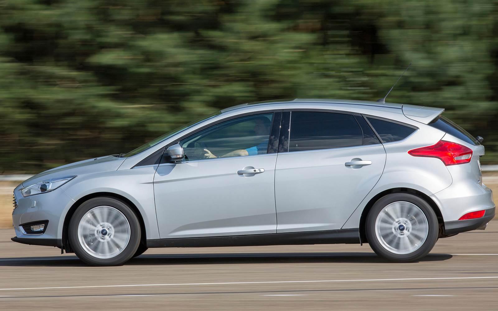 Ford Focus lidera entre os hatchs médios