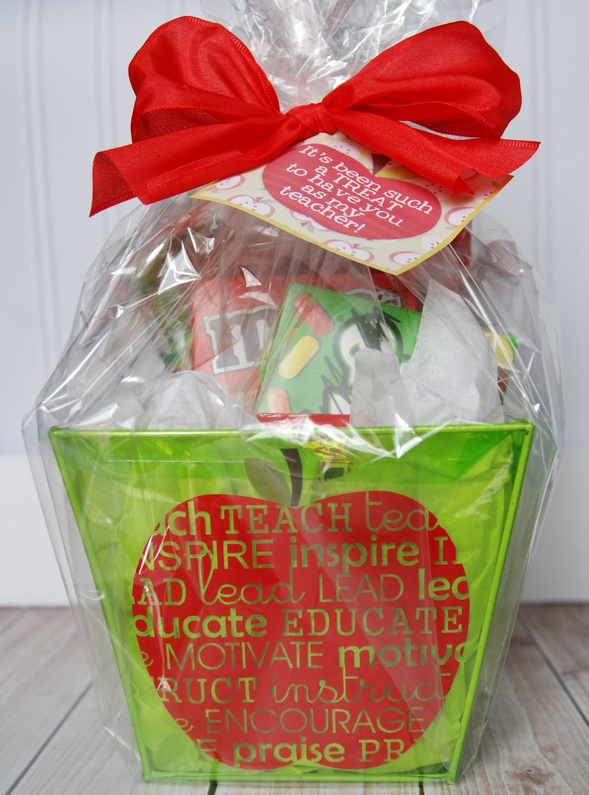 teacher appreciation gift idea for silhouette and cricut