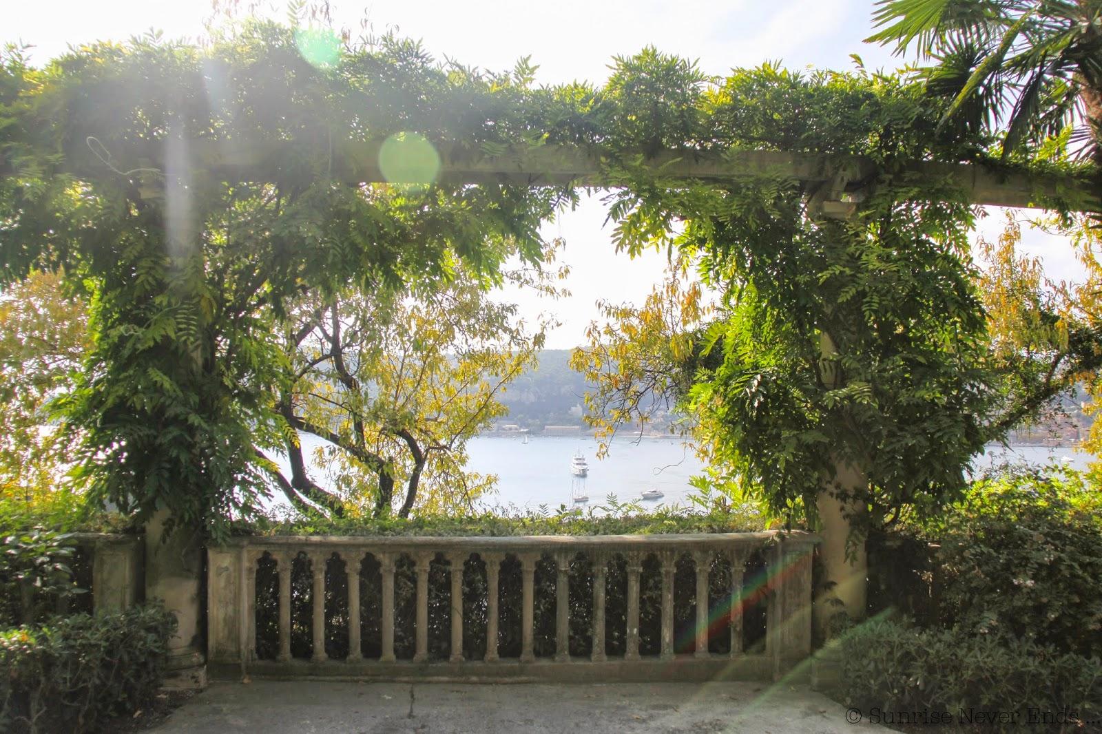 villa ephrussi de rothschild,saint jean cap ferrat, jardin espagnol,terre cuite,tropical,hibiscus,hello riviera