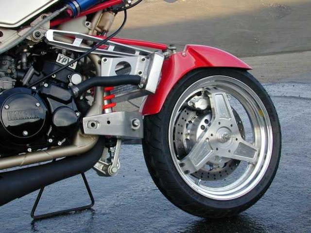 Julian Farnam FFE 350 Forkless Yamaha RZ Front