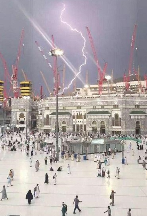 Mecca_Grand_Mosque_Crane_Collapse_Lightning