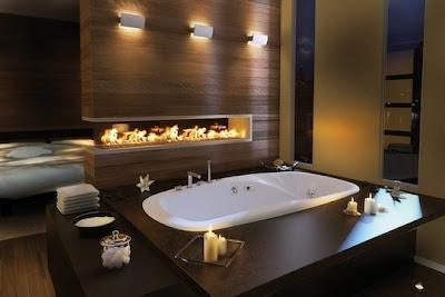 baño moderno con chimenea