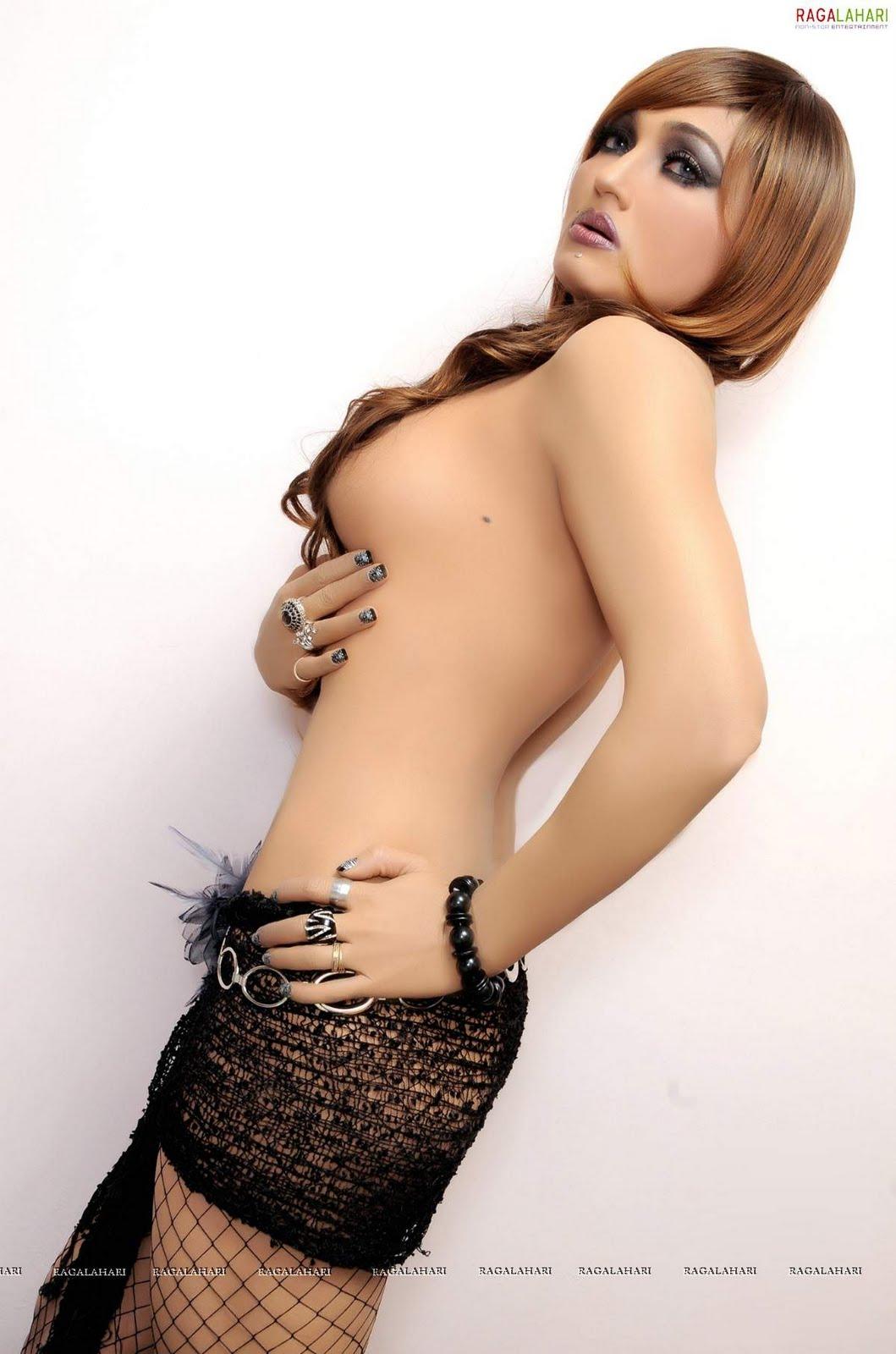 nude porn pics of kendra akira